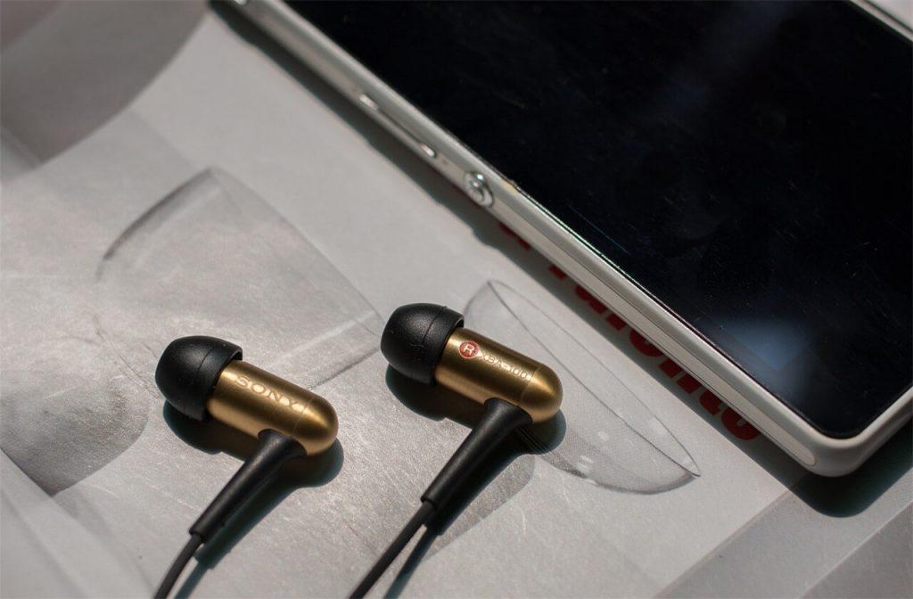 Niche headphones
