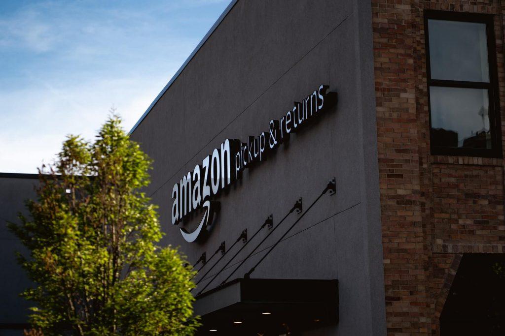 Figure 8 Amazon Pickup & Return Center